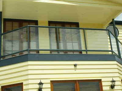 Design 1 Framed Glass Balustrade